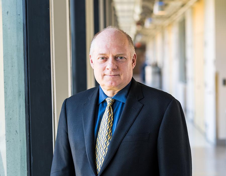 Image of Professor Tim Swager