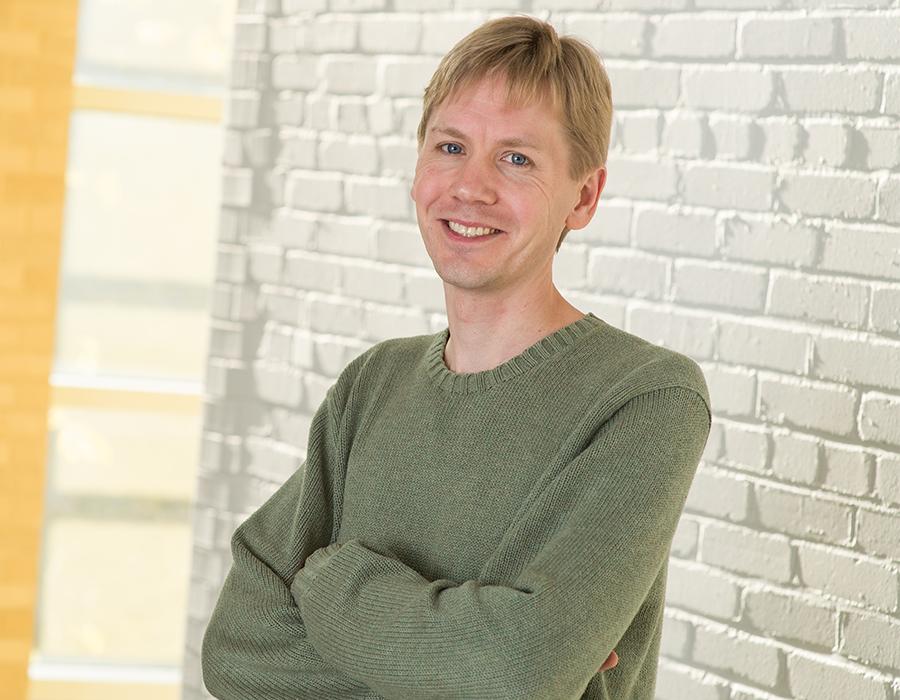 Image of Professor Troy Van Voorhis